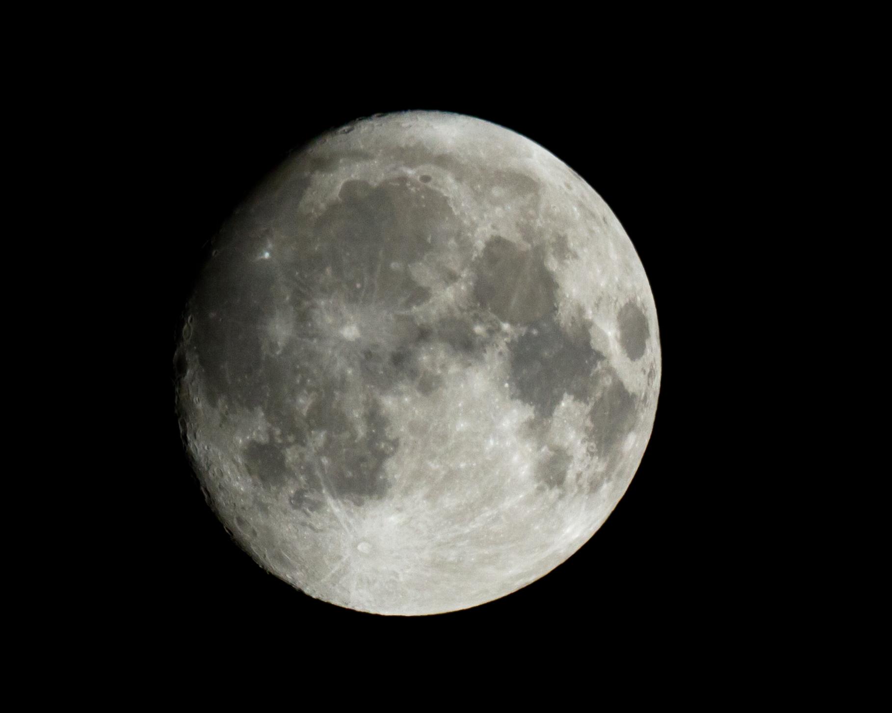 moon6feb2012.jpg